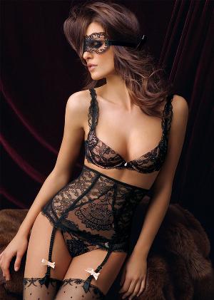 sexy Lise Charmel