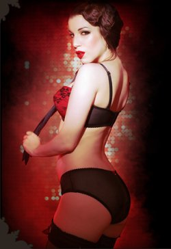 Lingerie Pin-Up Kiss Me Deadly