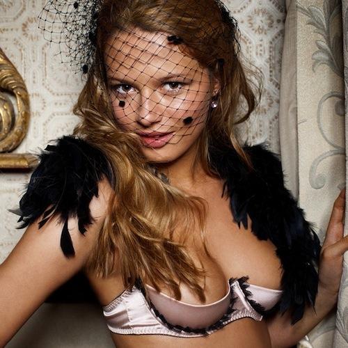L'année Lingerie 2010 - Les Jupons de Tess