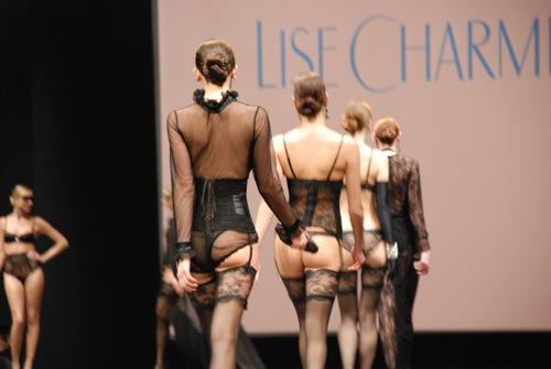 Lise Charmel 35 ans au salon de la lingerie 2011
