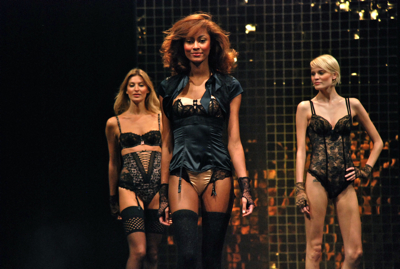 Défilé salon de la lingerie 2012