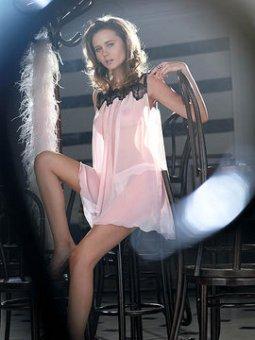myla-lingerie-fall06-01